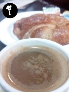 croissant+cafetasca